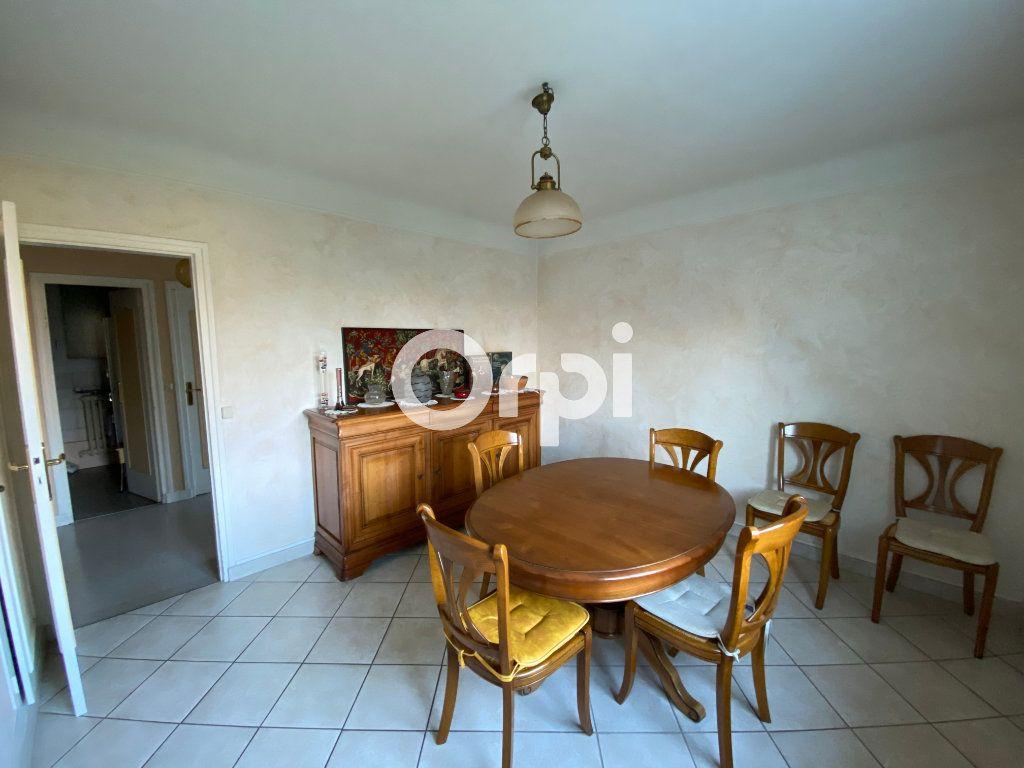Maison à vendre 6 140m2 à Mantes-la-Jolie vignette-5