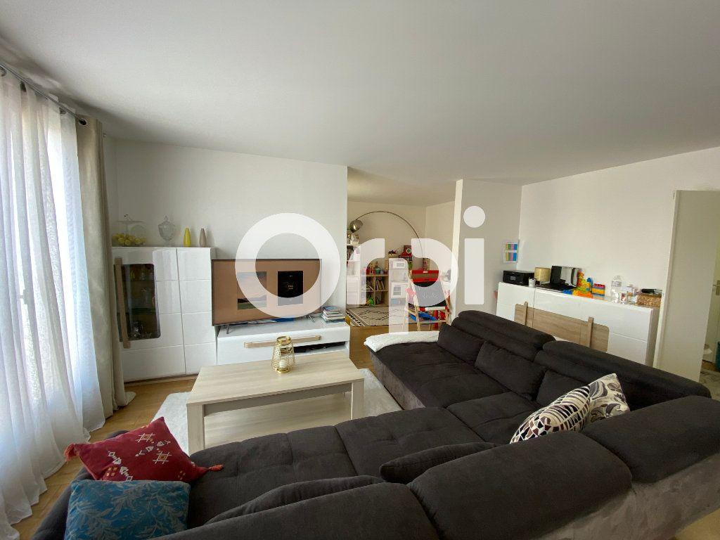 Appartement à vendre 4 80.94m2 à Mantes-la-Jolie vignette-1