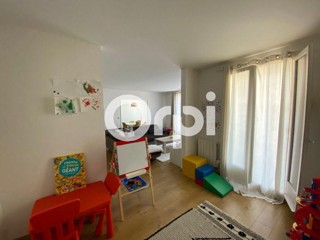 Appartement à vendre 4 80.94m2 à Mantes-la-Jolie vignette-6
