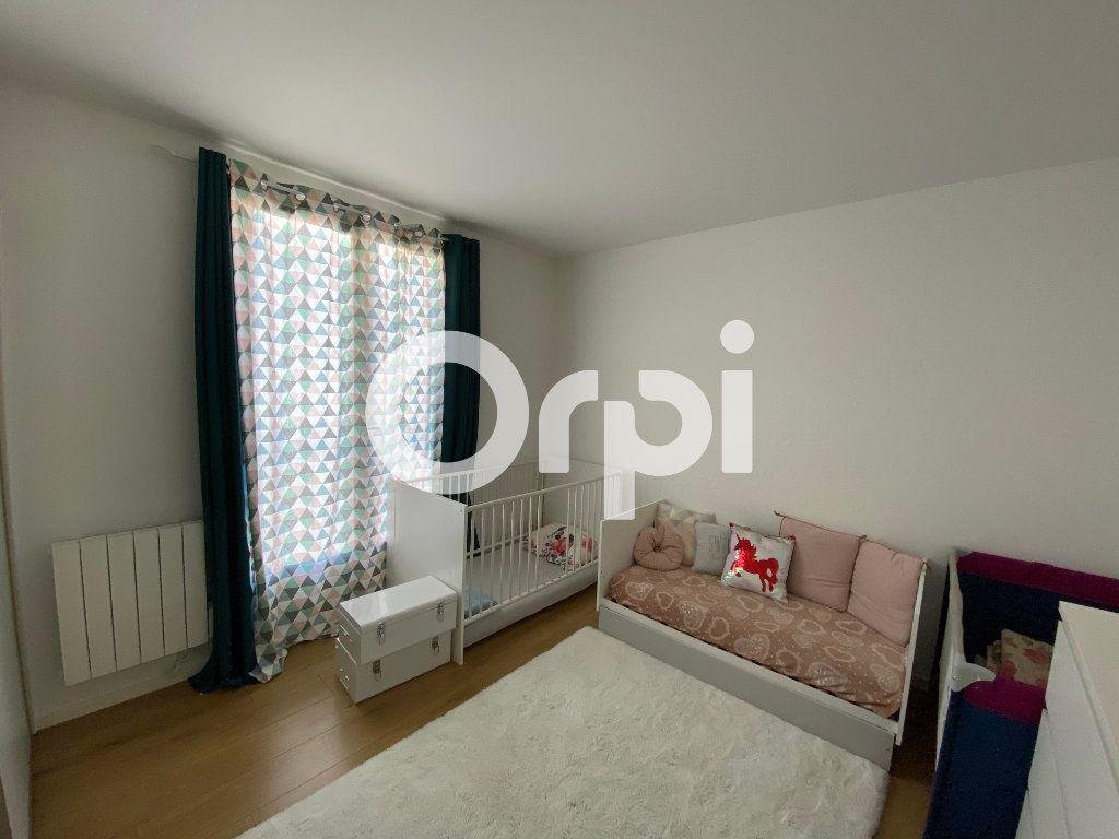 Appartement à vendre 4 80.94m2 à Mantes-la-Jolie vignette-7