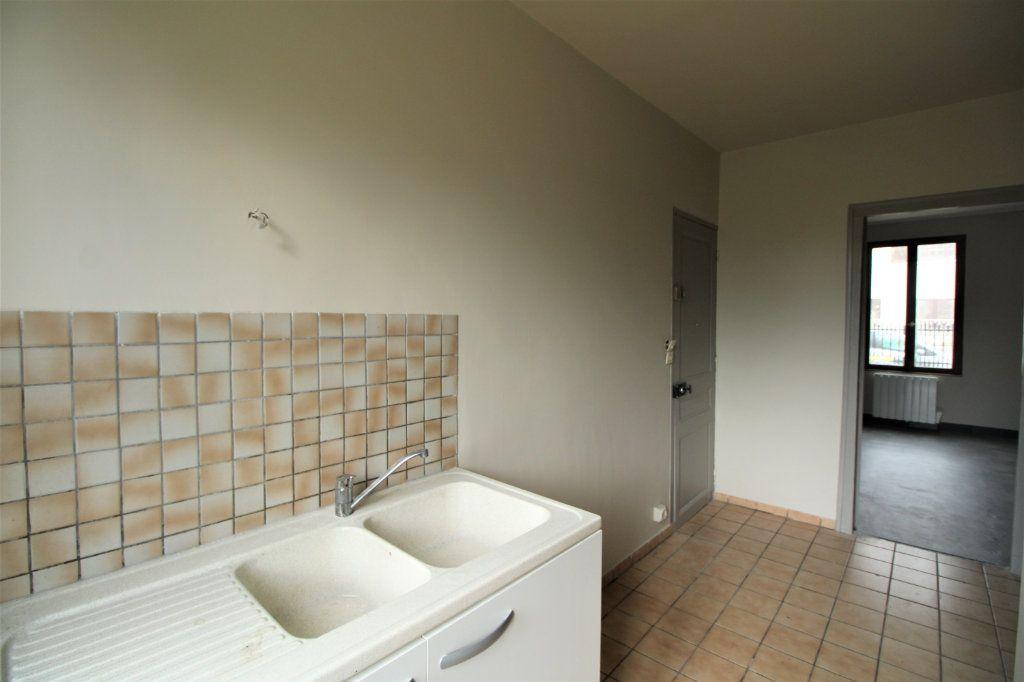 Appartement à vendre 1 28.57m2 à Mantes-la-Jolie vignette-2