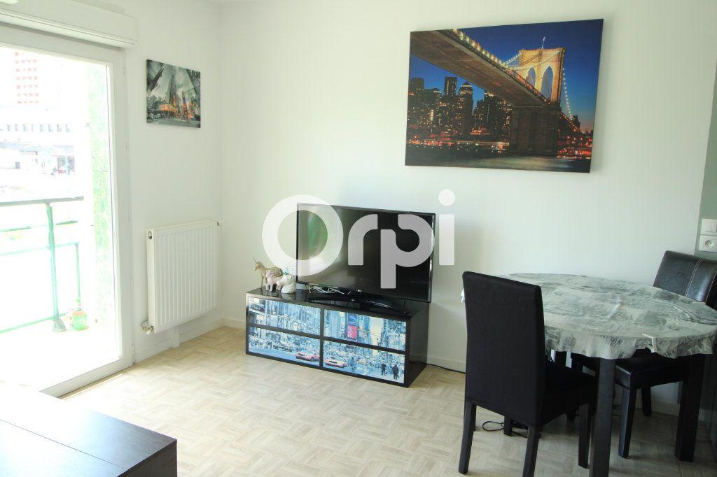 Appartement à vendre 3 55.28m2 à Mantes-la-Jolie vignette-2
