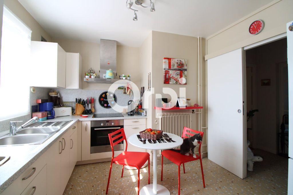 Appartement à vendre 3 62.26m2 à Mantes-la-Jolie vignette-2