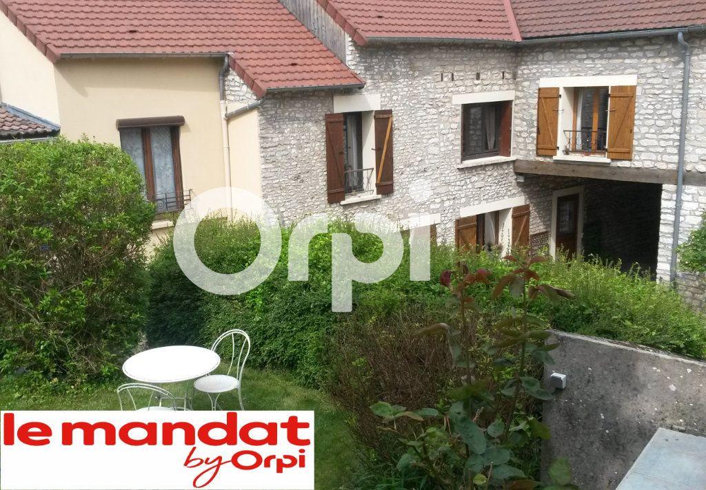 Maison à vendre 7 140m2 à Mantes-la-Ville vignette-1