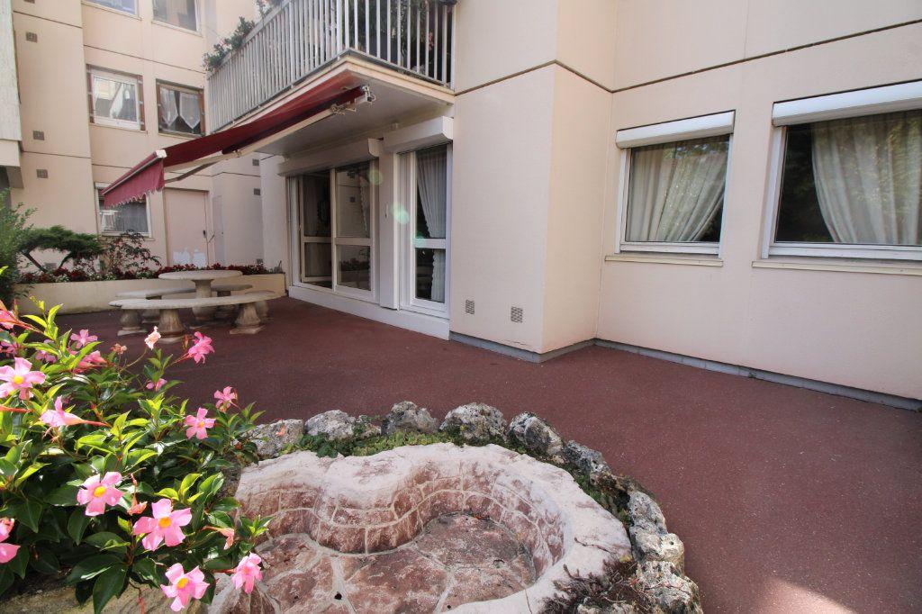 Appartement à vendre 5 89.07m2 à Mantes-la-Jolie vignette-2