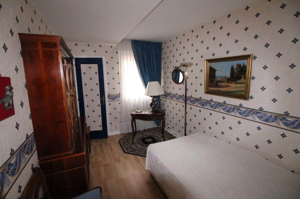 Appartement à vendre 5 89.07m2 à Mantes-la-Jolie vignette-5