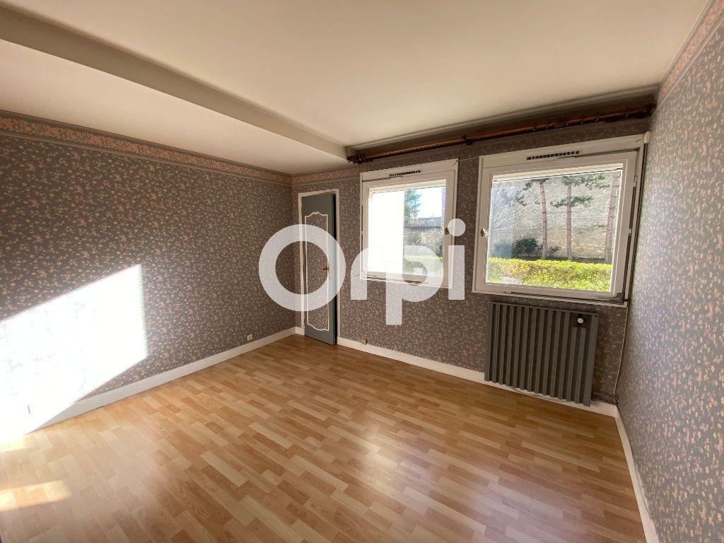 Appartement à vendre 5 89.07m2 à Mantes-la-Jolie vignette-7