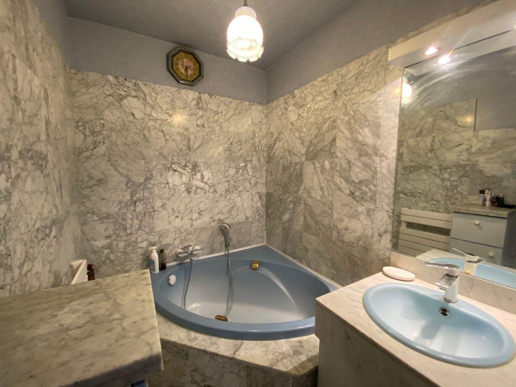 Appartement à vendre 4 86.09m2 à Mantes-la-Jolie vignette-6