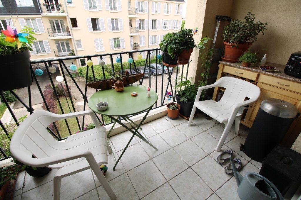 Appartement à vendre 4 81.45m2 à Mantes-la-Jolie vignette-3