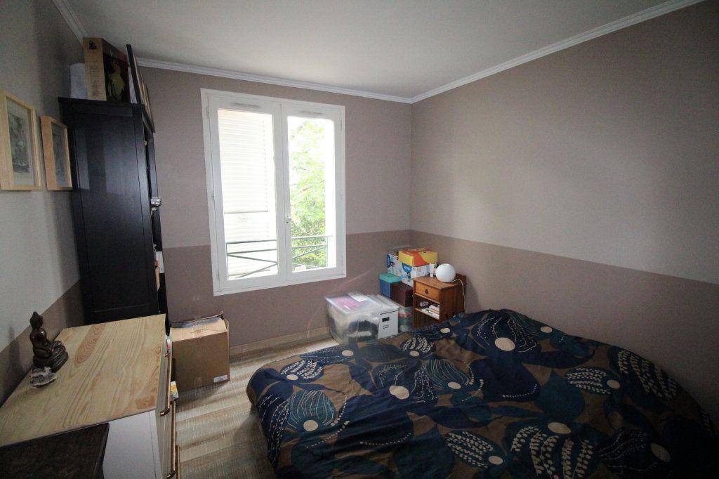 Appartement à vendre 4 81.45m2 à Mantes-la-Jolie vignette-6