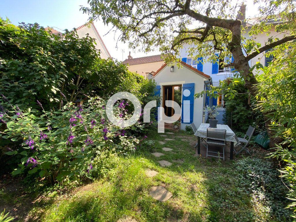 Maison à vendre 6 120m2 à Mantes-la-Jolie vignette-1