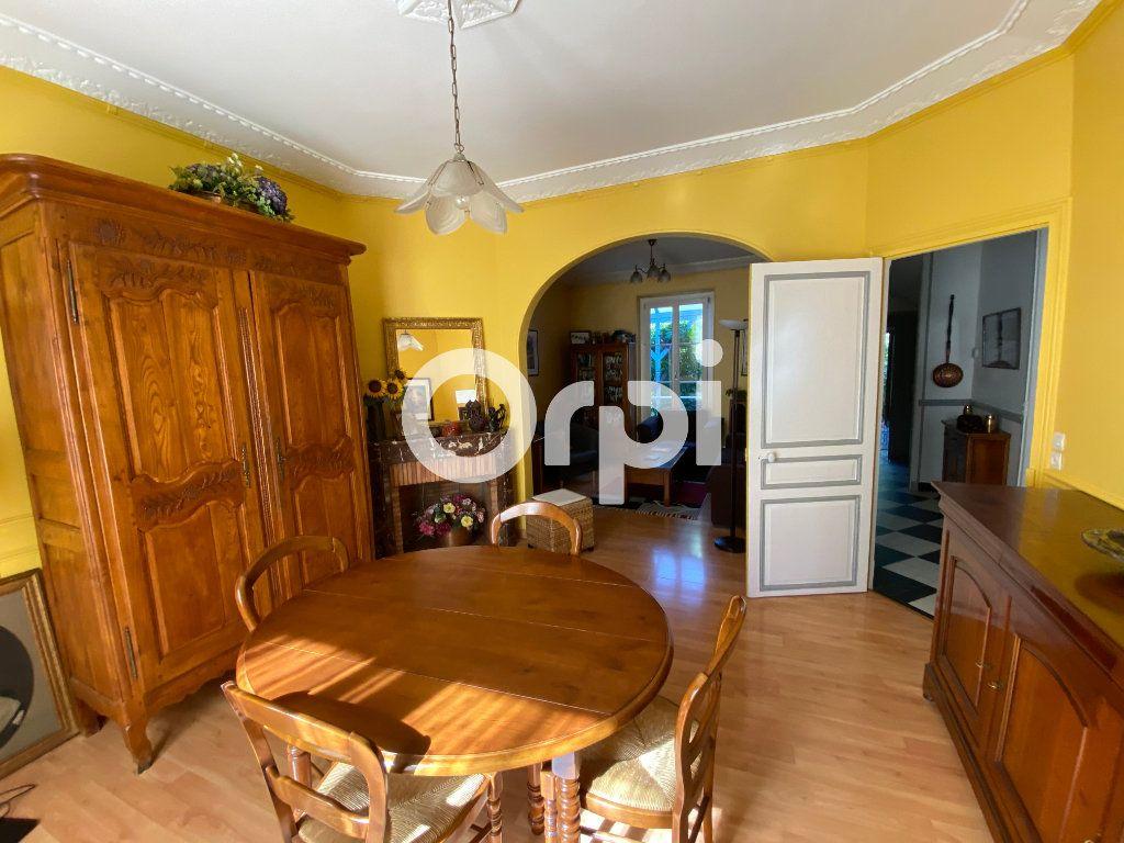 Maison à vendre 6 120m2 à Mantes-la-Jolie vignette-2