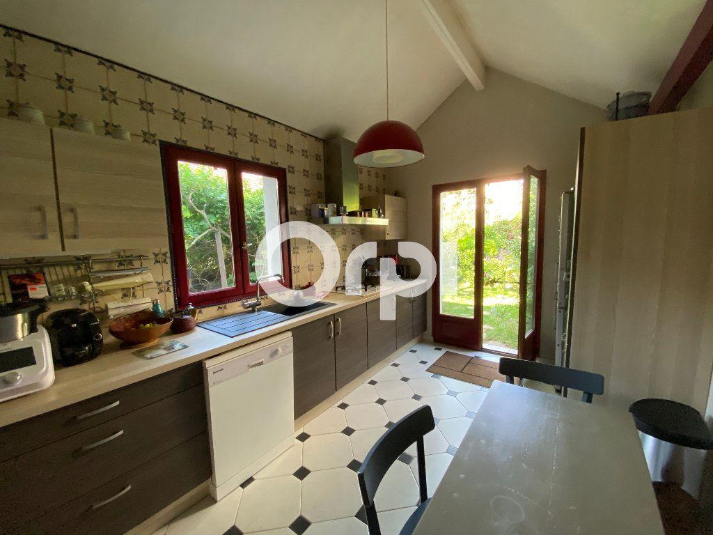 Maison à vendre 6 120m2 à Mantes-la-Jolie vignette-3