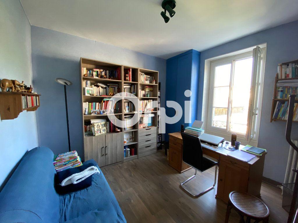 Maison à vendre 6 120m2 à Mantes-la-Jolie vignette-4