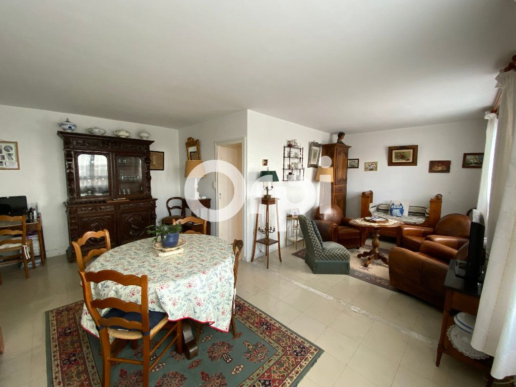 Appartement à vendre 4 67.23m2 à Mantes-la-Jolie vignette-1
