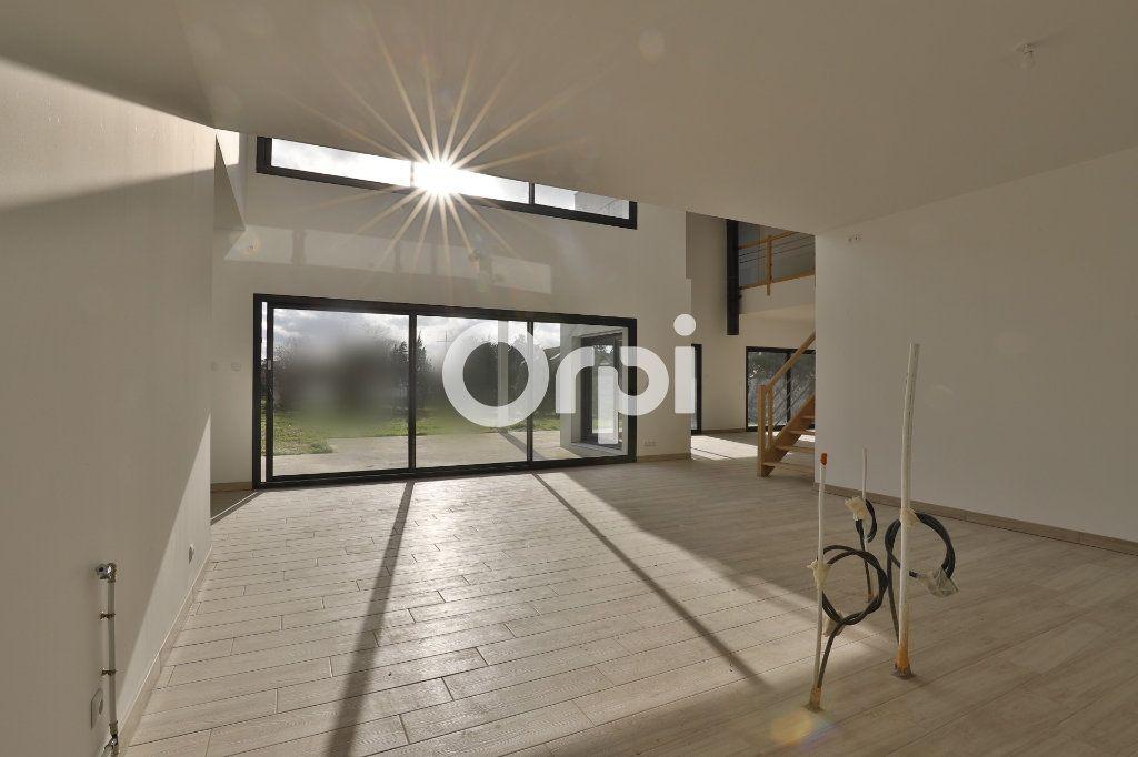 Maison à vendre 8 260m2 à Saint-Martin-la-Garenne vignette-2