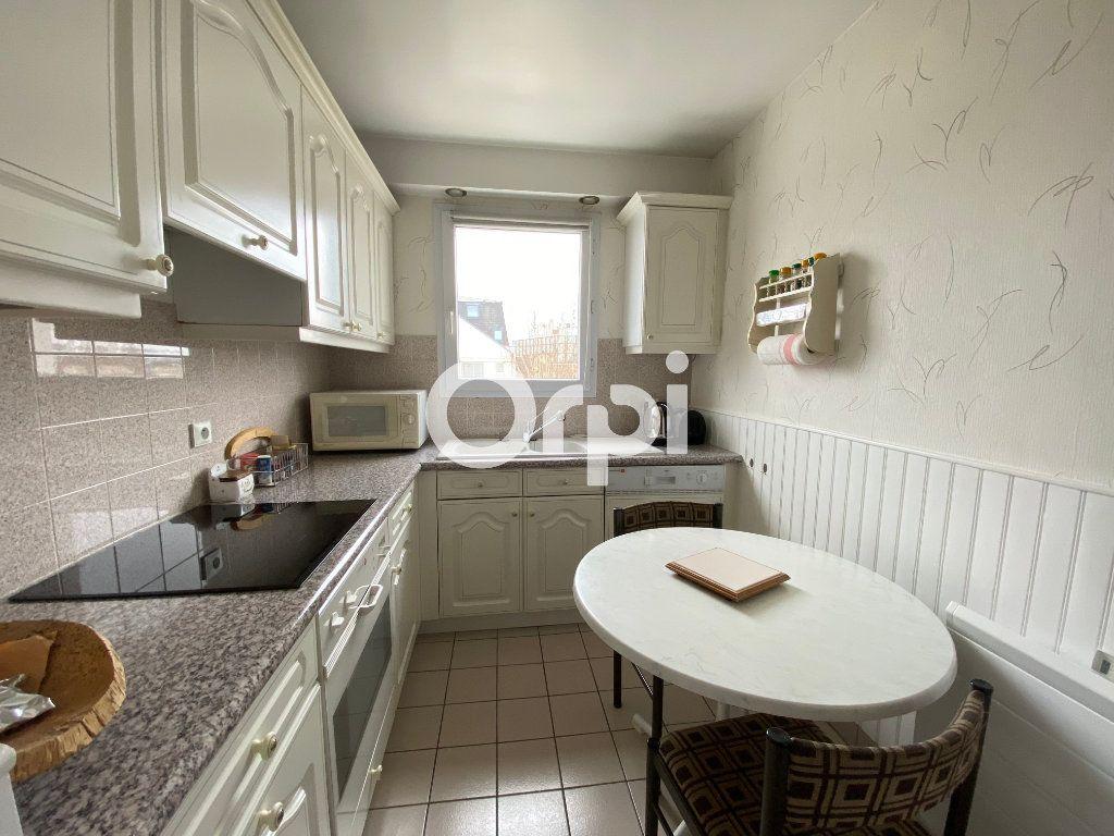 Appartement à vendre 3 69.62m2 à Mantes-la-Jolie vignette-2