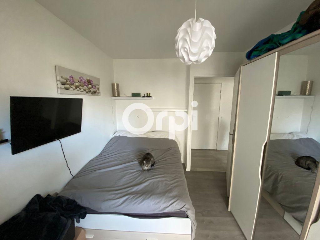 Appartement à vendre 3 62m2 à Mantes-la-Jolie vignette-3