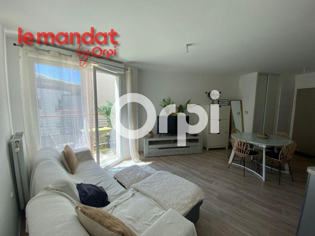 Appartement à vendre 2 40.78m2 à Mantes-la-Jolie vignette-1