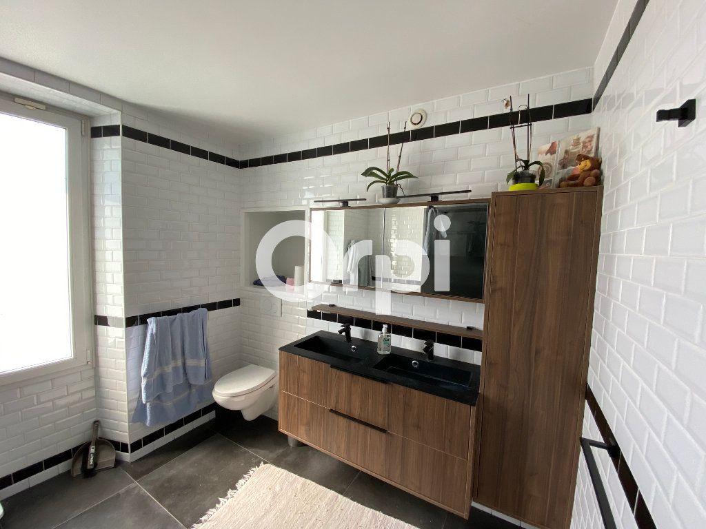 Maison à vendre 10 280m2 à Follainville-Dennemont vignette-9