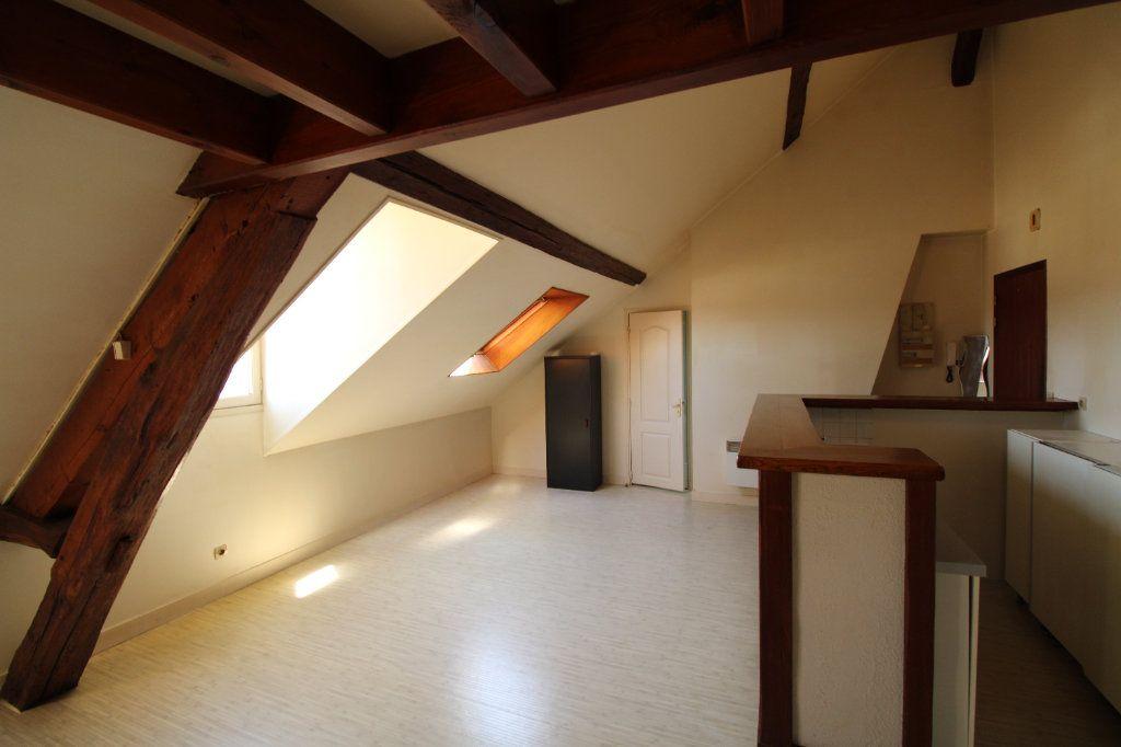 Appartement à louer 1 30.31m2 à Mantes-la-Jolie vignette-1