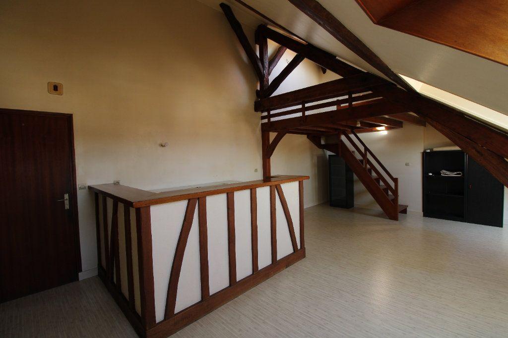 Appartement à louer 1 30.31m2 à Mantes-la-Jolie vignette-2