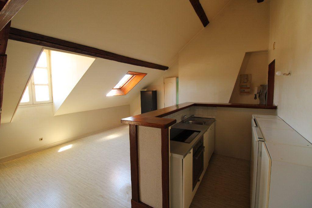 Appartement à louer 1 30.31m2 à Mantes-la-Jolie vignette-4