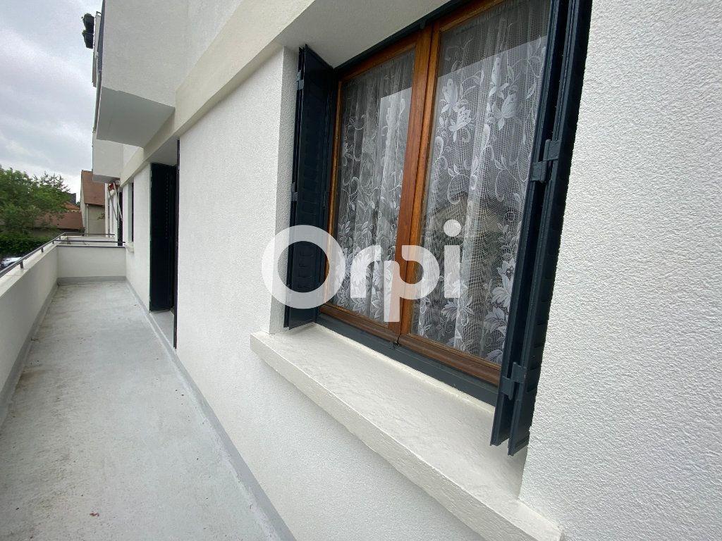 Appartement à vendre 4 69.16m2 à Mantes-la-Ville vignette-1