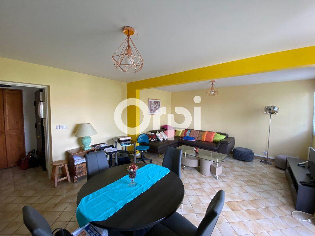 Appartement à vendre 4 78m2 à Mantes-la-Jolie vignette-2