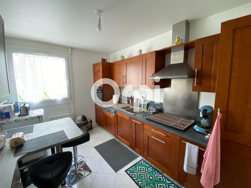 Appartement à vendre 4 78m2 à Mantes-la-Jolie vignette-3