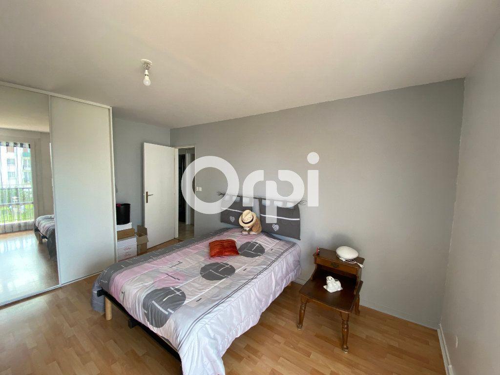 Appartement à vendre 4 78m2 à Mantes-la-Jolie vignette-4