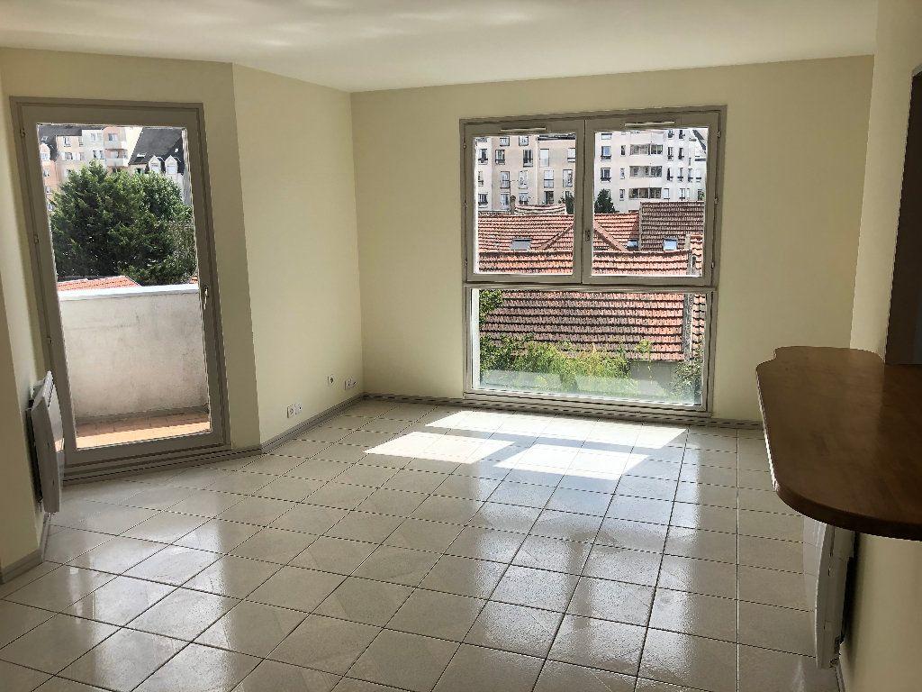 Appartement à vendre 3 68.6m2 à Sannois vignette-4