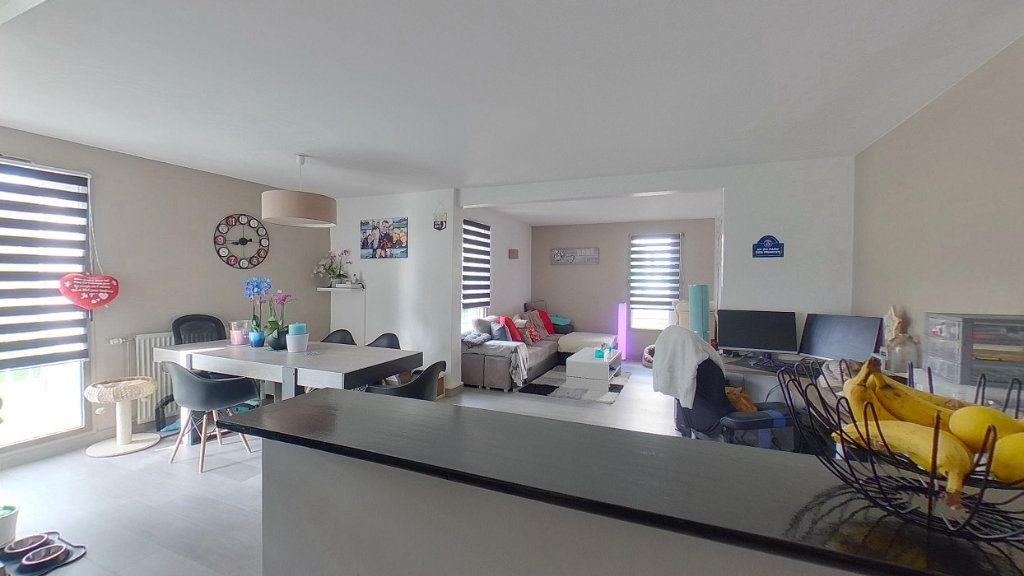 Appartement à vendre 4 79.57m2 à Sannois vignette-2