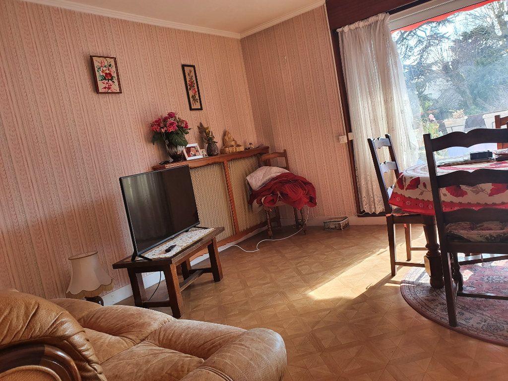 Appartement à vendre 4 76m2 à Sannois vignette-3
