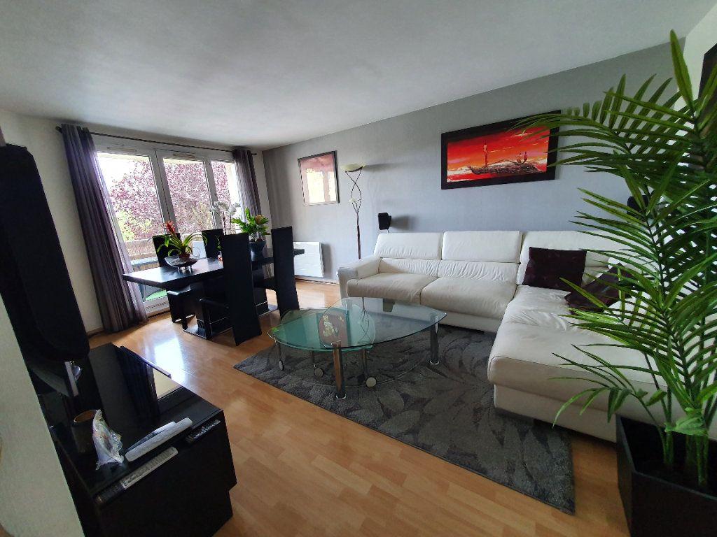 Appartement à vendre 4 82.37m2 à Sannois vignette-1