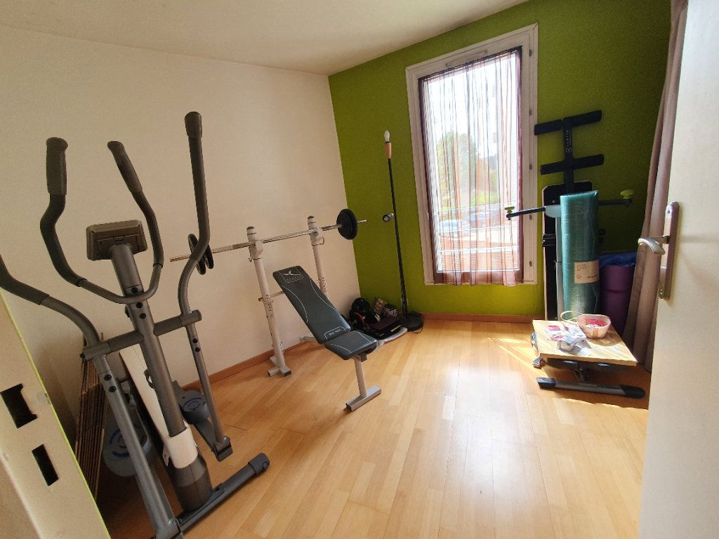 Appartement à vendre 4 82.37m2 à Sannois vignette-8