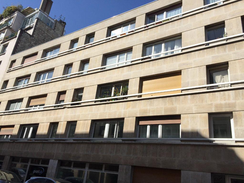 Appartement à louer 1 35.07m2 à Paris 18 vignette-3