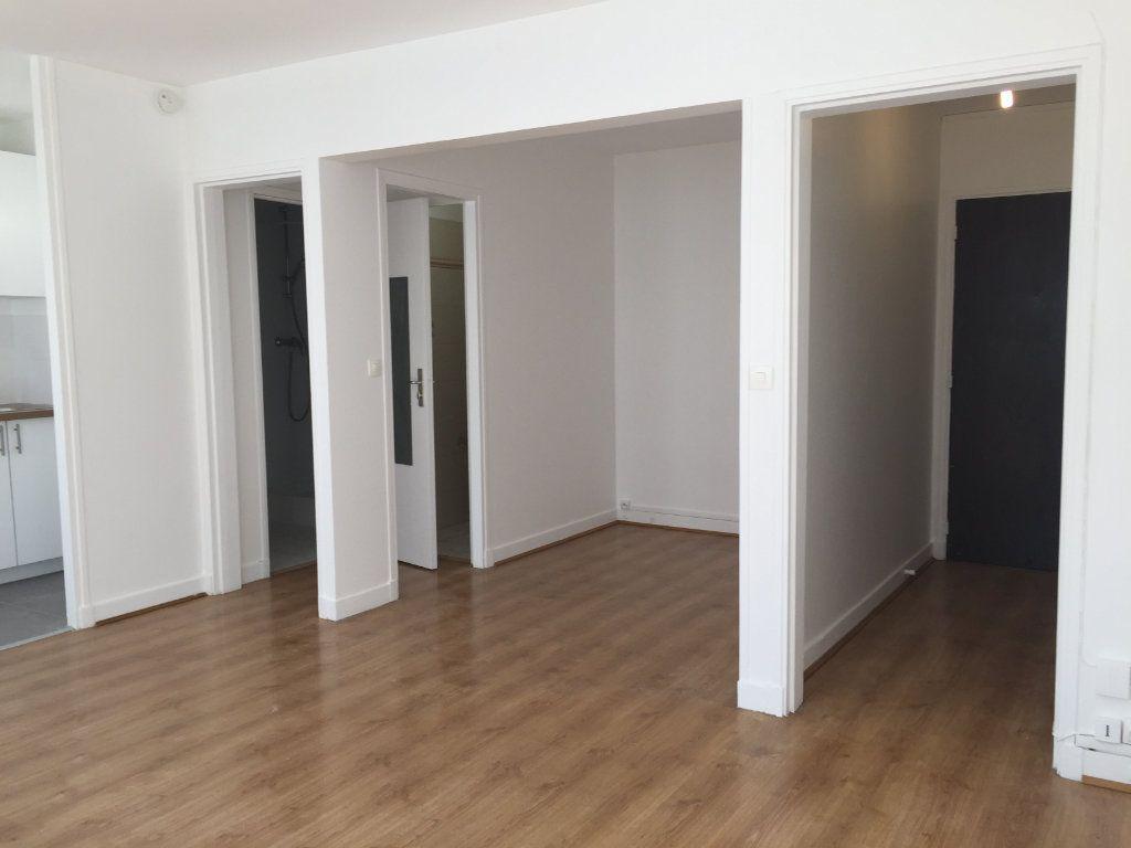 Appartement à louer 1 35.07m2 à Paris 18 vignette-7