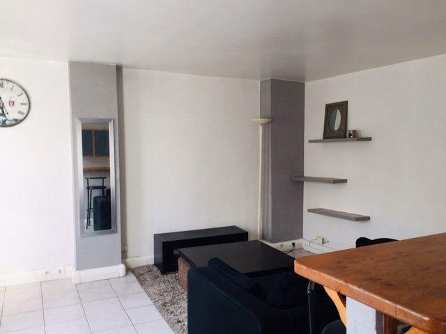 Appartement à louer 2 38.91m2 à Paris 17 vignette-1