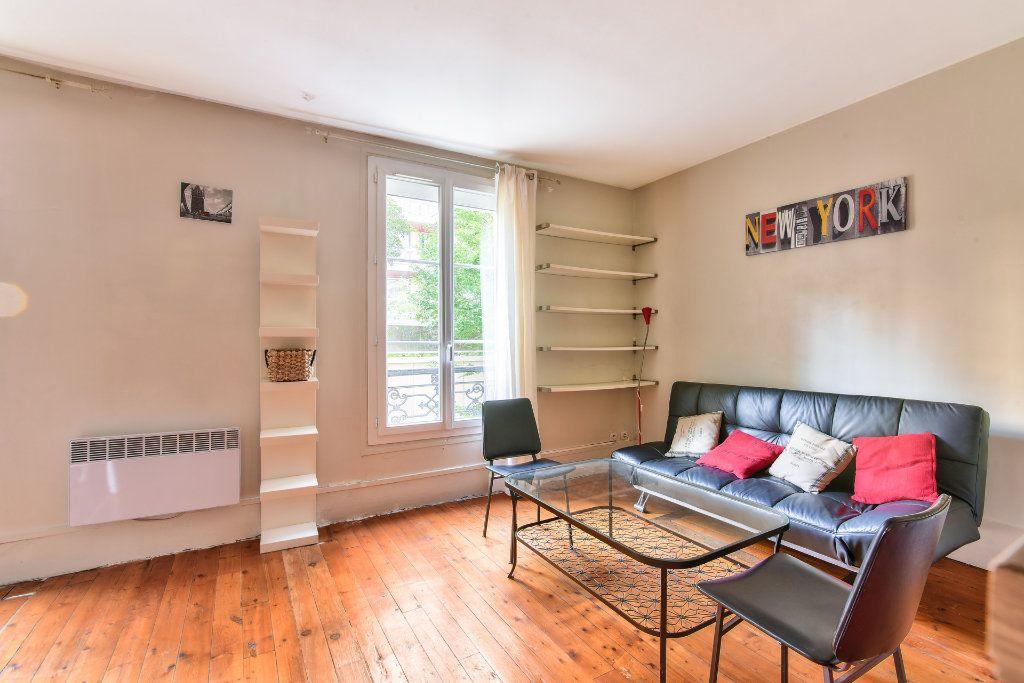 Appartement à louer 2 37.25m2 à Paris 18 vignette-1