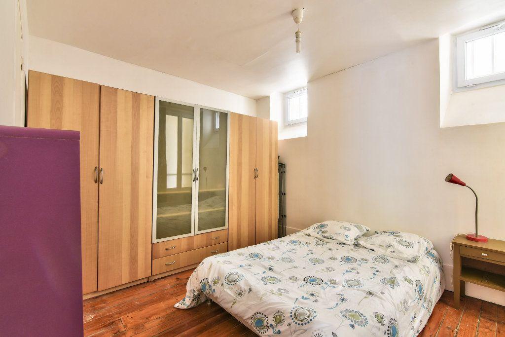Appartement à louer 2 37.25m2 à Paris 18 vignette-6