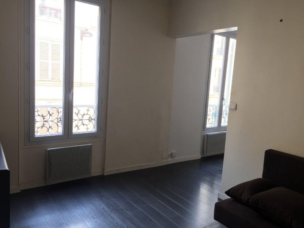Appartement à louer 1 28.62m2 à Paris 17 vignette-1