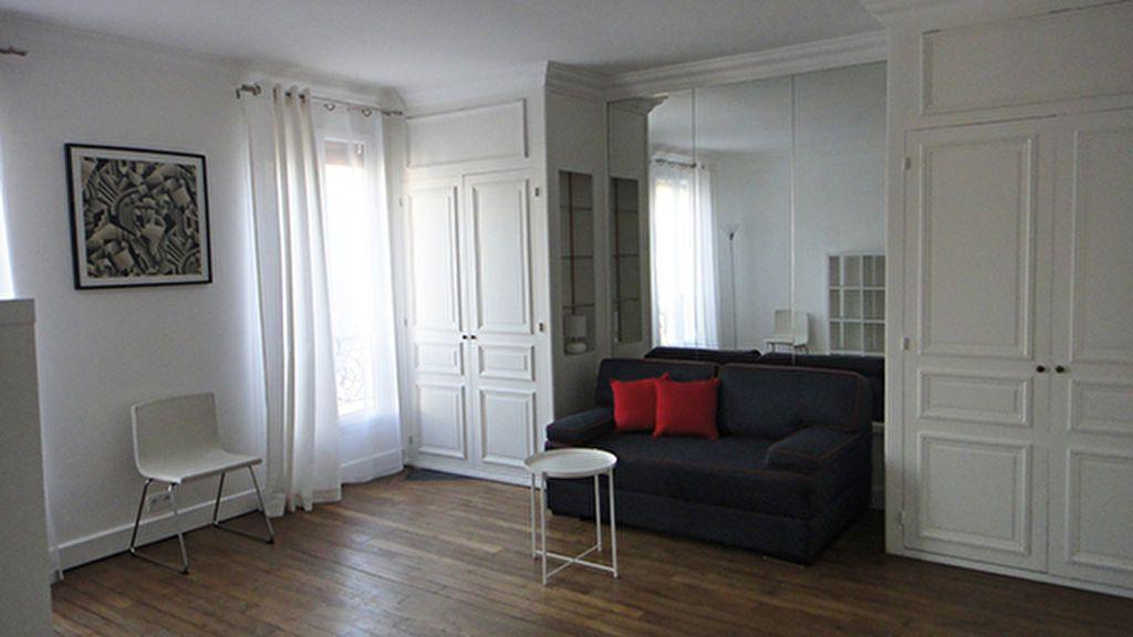 Appartement à louer 1 32.02m2 à Paris 17 vignette-1