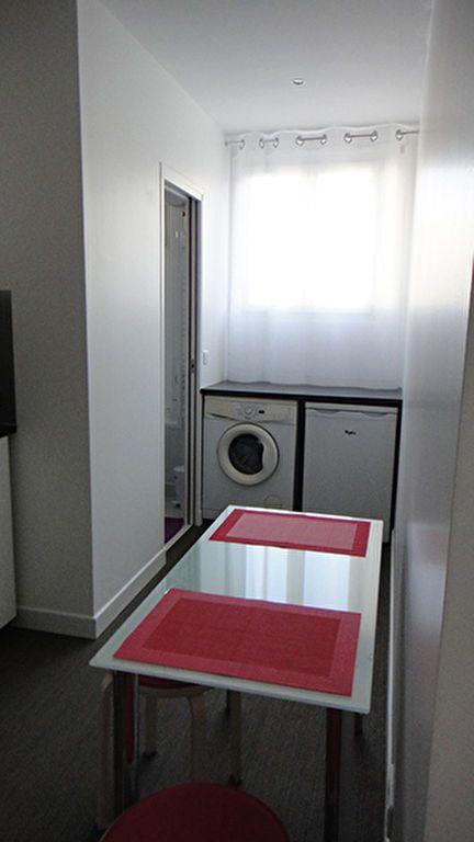 Appartement à louer 1 32.02m2 à Paris 17 vignette-3