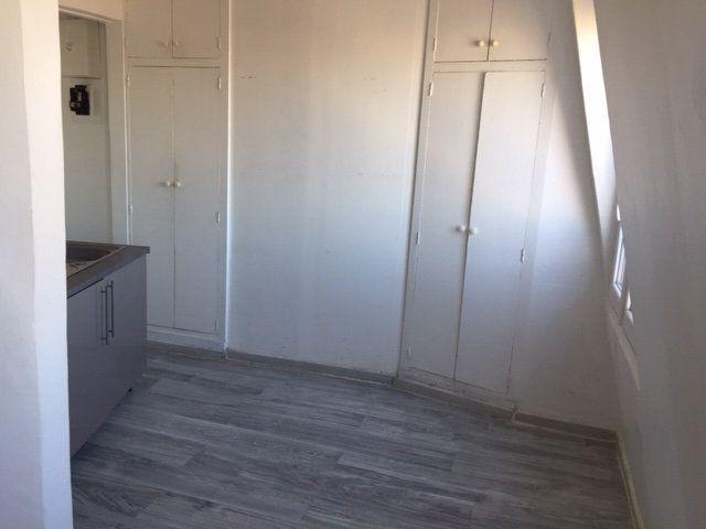Appartement à louer 1 16.05m2 à Paris 17 vignette-3