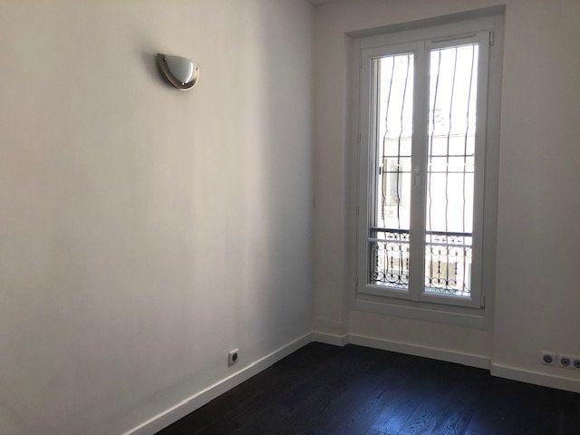 Appartement à louer 3 58m2 à Paris 10 vignette-14