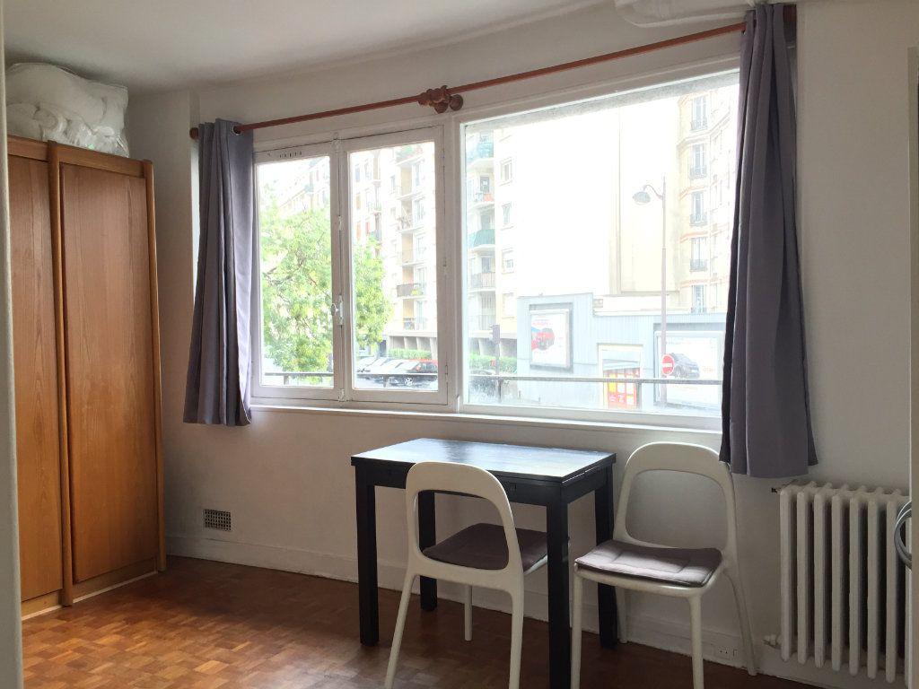 Appartement à louer 1 19.52m2 à Paris 15 vignette-1