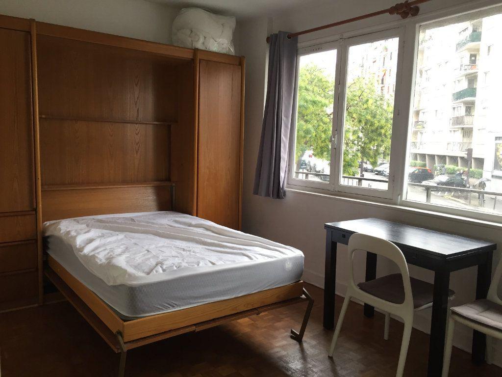 Appartement à louer 1 19.52m2 à Paris 15 vignette-6