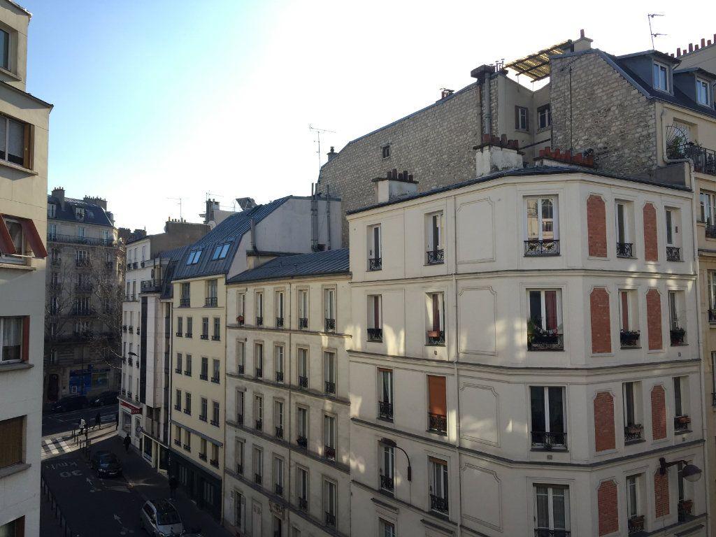 Appartement à louer 2 37m2 à Paris 17 vignette-8