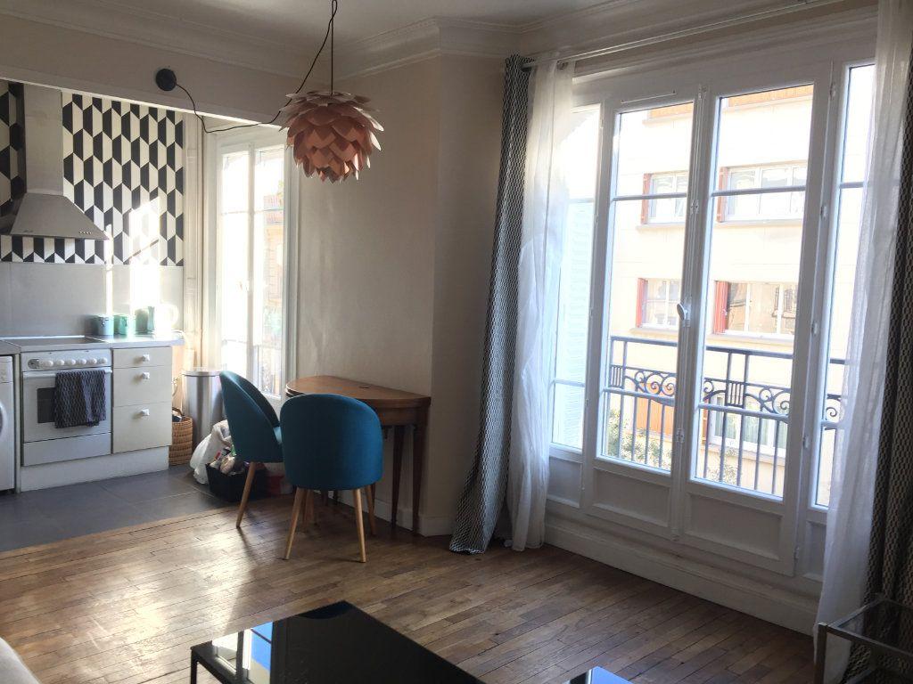 Appartement à louer 2 37m2 à Paris 17 vignette-14